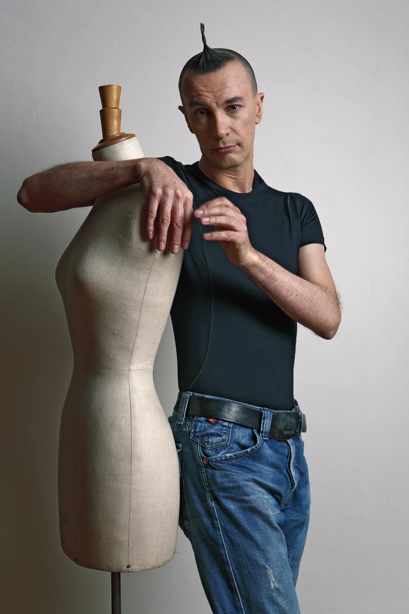 VANITY FAIR - Arturo Brachetti Meglio invecchiare eterosessuali - Torino, 2007