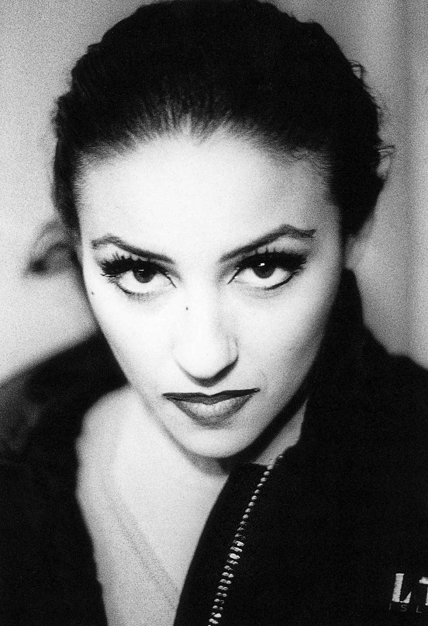 CIRCUS LIFE - Everynight, all around the world - Denise Around Italy, 1999